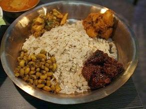 ネパール民族料理アーガン紹介と西アフリカ行決定の件_c0030645_16363072.jpg
