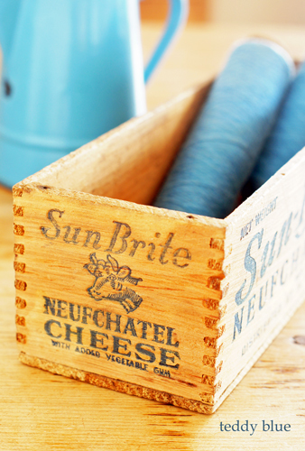 vintage cheese boxes  ヴィンテージチーズボックス_e0253364_10254780.jpg
