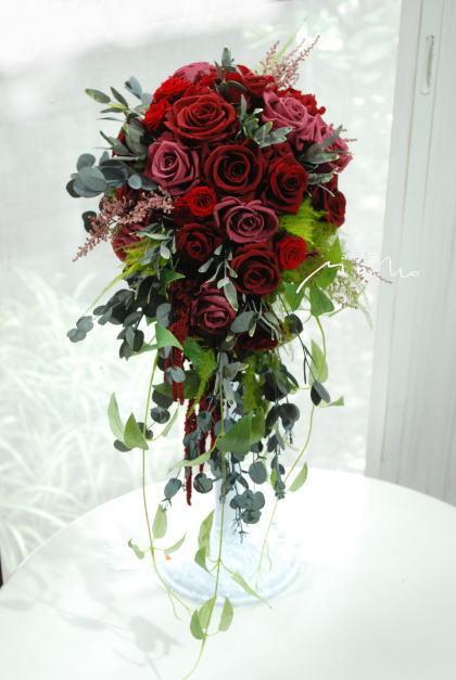 赤バラのキャスケードブーケ!_a0136507_22501618.jpg