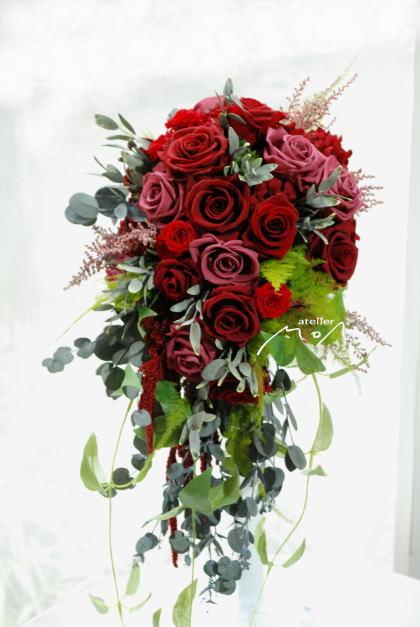赤バラのキャスケードブーケ!_a0136507_22503139.jpg
