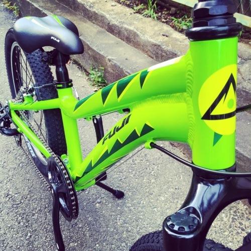 FUJI フジ「DYNAMITE 24 Sports 20」キッズバイク おしゃれ自転車 おしゃれ子供車 リピトキッズ 子供車 ダイナマイト_b0212032_14443003.jpg
