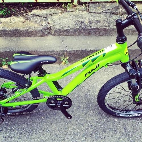 FUJI フジ「DYNAMITE 24 Sports 20」キッズバイク おしゃれ自転車 おしゃれ子供車 リピトキッズ 子供車 ダイナマイト_b0212032_14450627.jpg