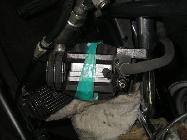 BMW R100RS+クマガヤ 継続検査と他(ステーの補修)_e0218639_1034717.jpg