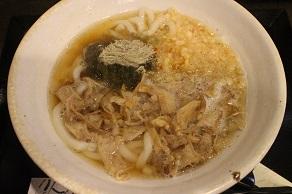 東新宿の司でも牛すじ丼を食べようと思ったが、かすうどんもOKだった_c0030645_18264456.jpg
