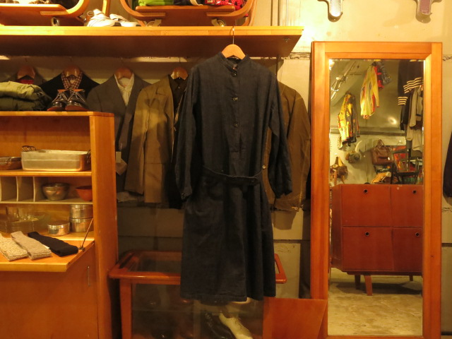 ""\""""SOURCE-TAP × TheThreeRobbers EARLY CENTURY WOMAN WORKER OVERALL  - ORDER""""ってこんなこと。_c0140560_12421359.jpg""640|480|?|en|2|5e40797816a5a8a639e371595e509b89|False|UNLIKELY|0.29183030128479004