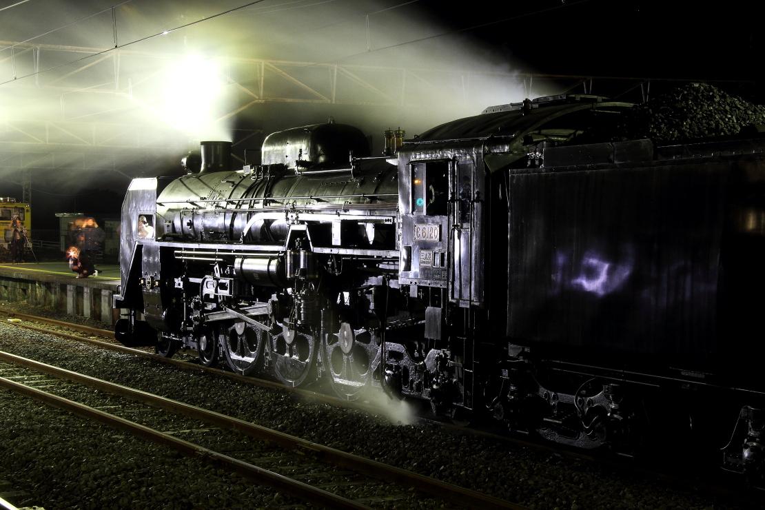 鉄と蒸気の夜  _b0190710_22423430.jpg