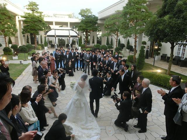 次女の結婚式で初めてのバージンロードとモーニング_f0141310_7482126.jpg