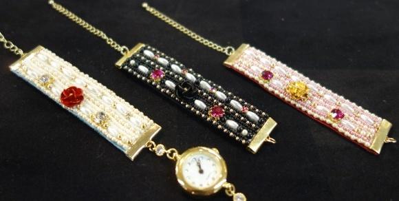 ビーズ刺しゅうの腕時計、作ってみませんか? CREATORS 1DAY LESSON_d0240728_14275300.jpg