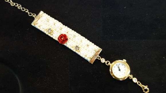 ビーズ刺しゅうの腕時計、作ってみませんか? CREATORS 1DAY LESSON_d0240728_14275997.jpg