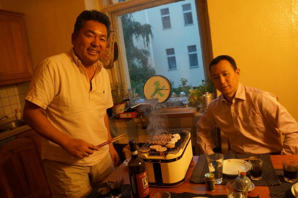 炭火焼送別晩餐。_c0180686_08264929.jpg
