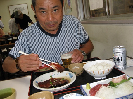 ★イカでシマチン釣りの魚市場食堂★_e0147297_1483834.jpg