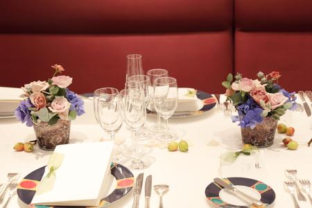 秋の装花 レストランFEU様へ お母様の愛情とウェルカムドッグのカブくんと_a0042928_1181594.jpg