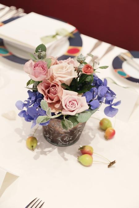秋の装花 レストランFEU様へ お母様の愛情とウェルカムドッグのカブくんと_a0042928_1182871.jpg