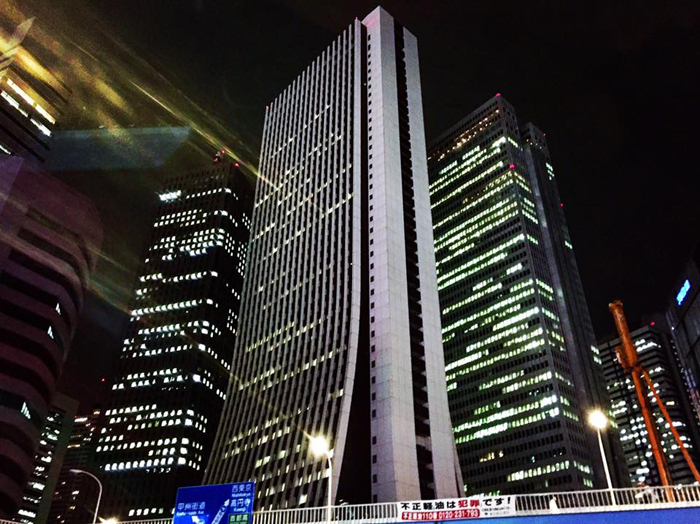 青梅街道 新宿大ガード西 / iPhone 6_c0334533_16061164.jpg