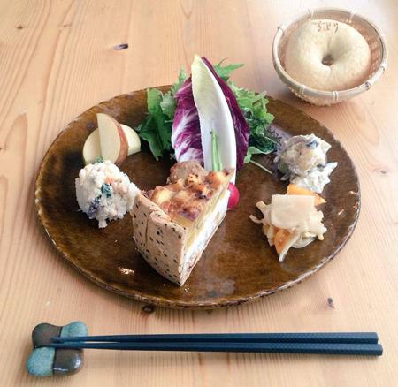 「さつまいもとリコッタチーズと厚揚げのキッシュ」_a0251920_10432389.jpg