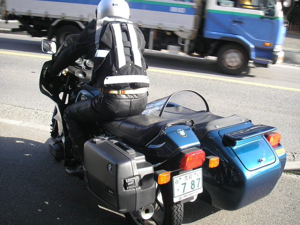 BMW R100RS+RSⅢ 時計の交換_e0218639_10131737.jpg
