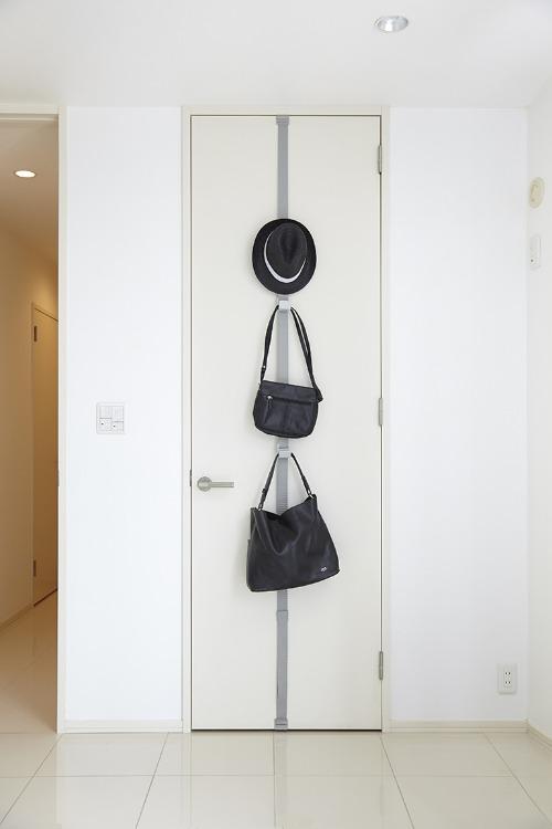 Room Door Hook 毎日をもっとスマートに。お部屋のドアを見せる収納へ。_b0125570_1037116.jpg