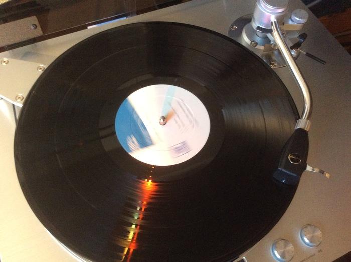 アナログレコードをデジタル化(DSD)した音をお聴きいただきます。_b0292692_15172230.jpg