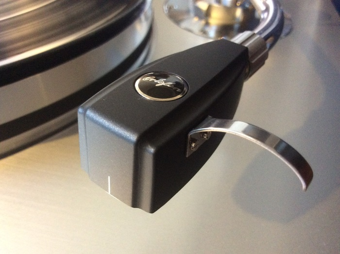アナログレコードをデジタル化(DSD)した音をお聴きいただきます。_b0292692_1517257.jpg