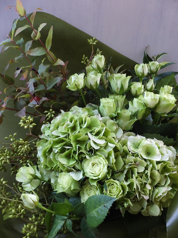 オークリーフ(バラと秋色紫陽花の花束)_f0049672_1138230.jpg