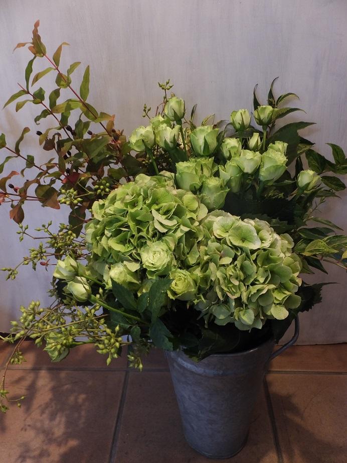 オークリーフ(バラと秋色紫陽花の花束)_f0049672_114087.jpg