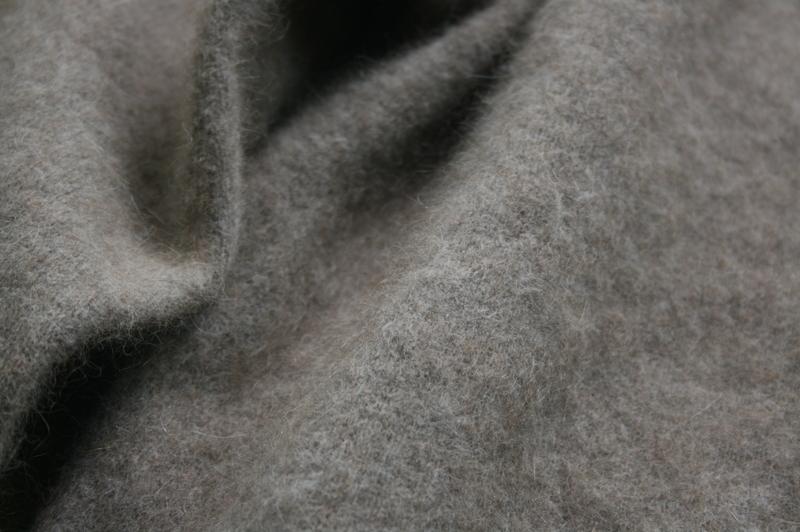 第3285回 Raccoon Knit。_f0366424_13112895.jpg