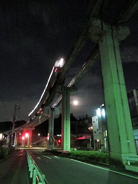 日本の満月_e0133780_21560473.jpg