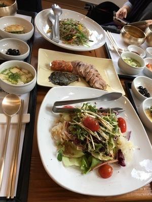 ソウルから大邱へ。韓国のおいしい味と美術作家さんたちに会いに。その2 聞慶の山菜料理と星州郡の人形作家さんのアトリエ_a0223786_09590544.jpg
