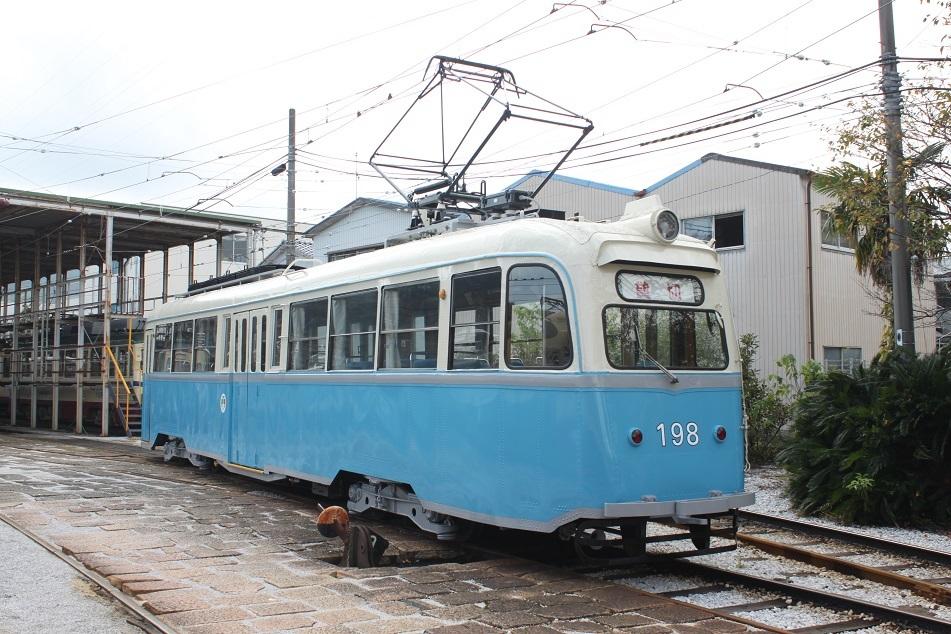 ○とさでん「ノルウェー電車塗装復元」運行_f0111289_13320629.jpg