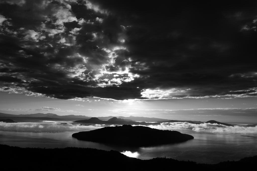 湖水僥倖図_f0050534_15295546.jpg