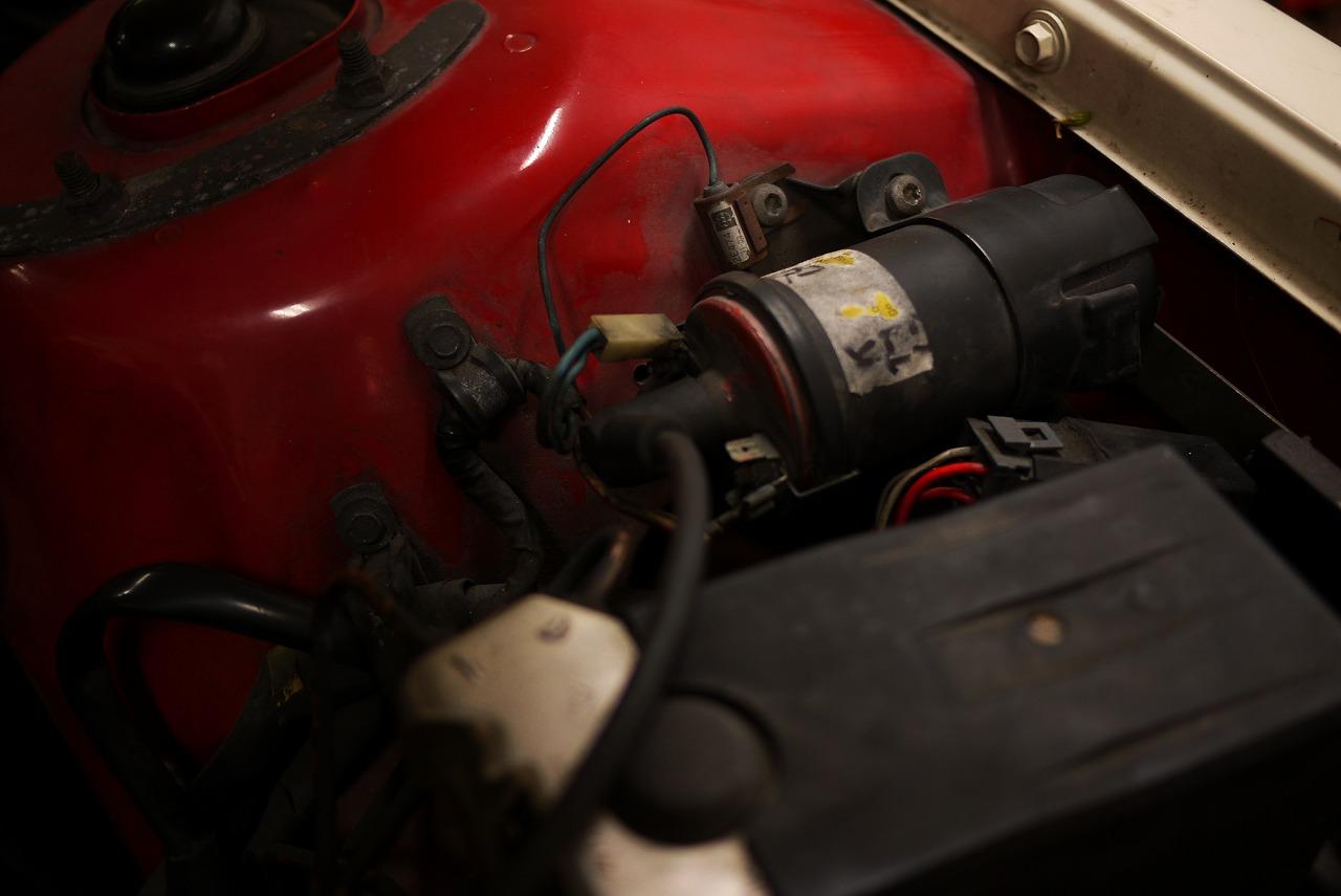 ボルボ240 B200 エンジンとまる エンジン掛からない_d0171835_15475066.jpg