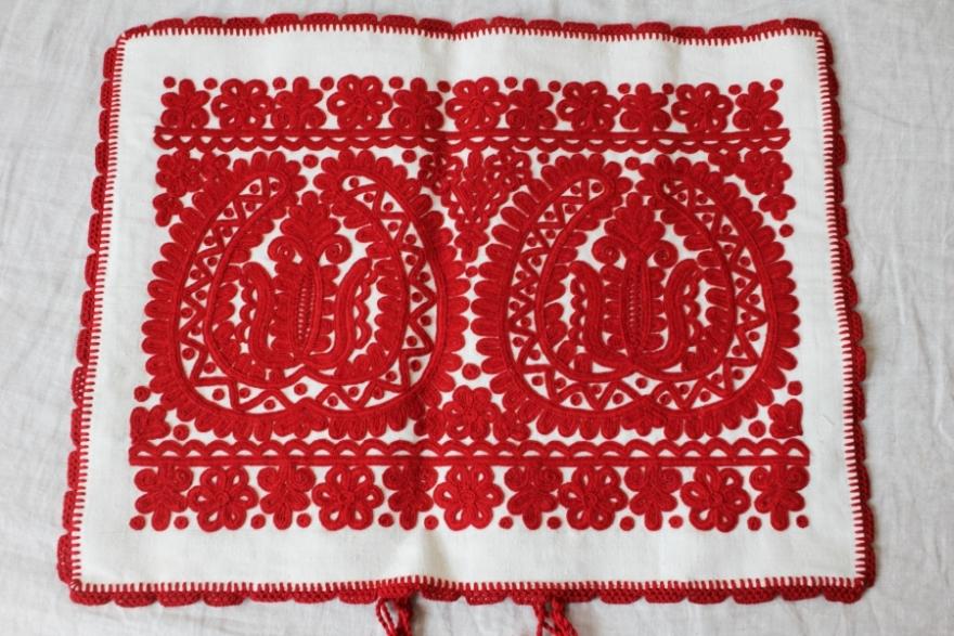 カロタセグ地方のイーラーショシュ、古い刺繍の品々、イラスト・ポストカードが入荷しました。_b0142544_4391475.jpg