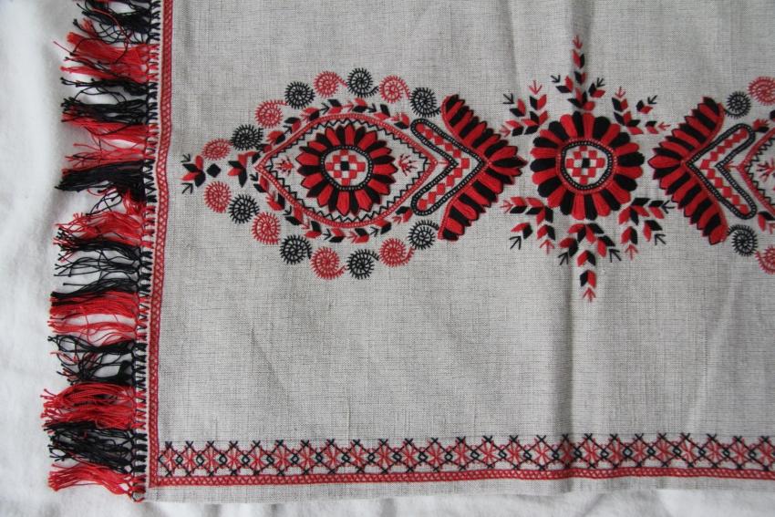 カロタセグ地方のイーラーショシュ、古い刺繍の品々、イラスト・ポストカードが入荷しました。_b0142544_4415490.jpg