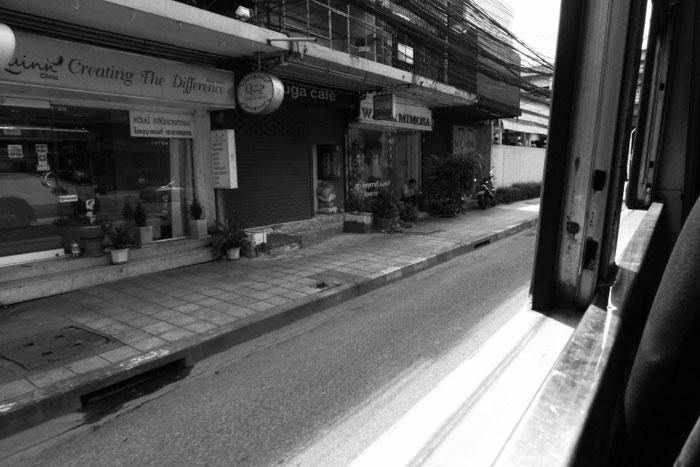 路線バスの車窓から_b0131470_18541342.jpg