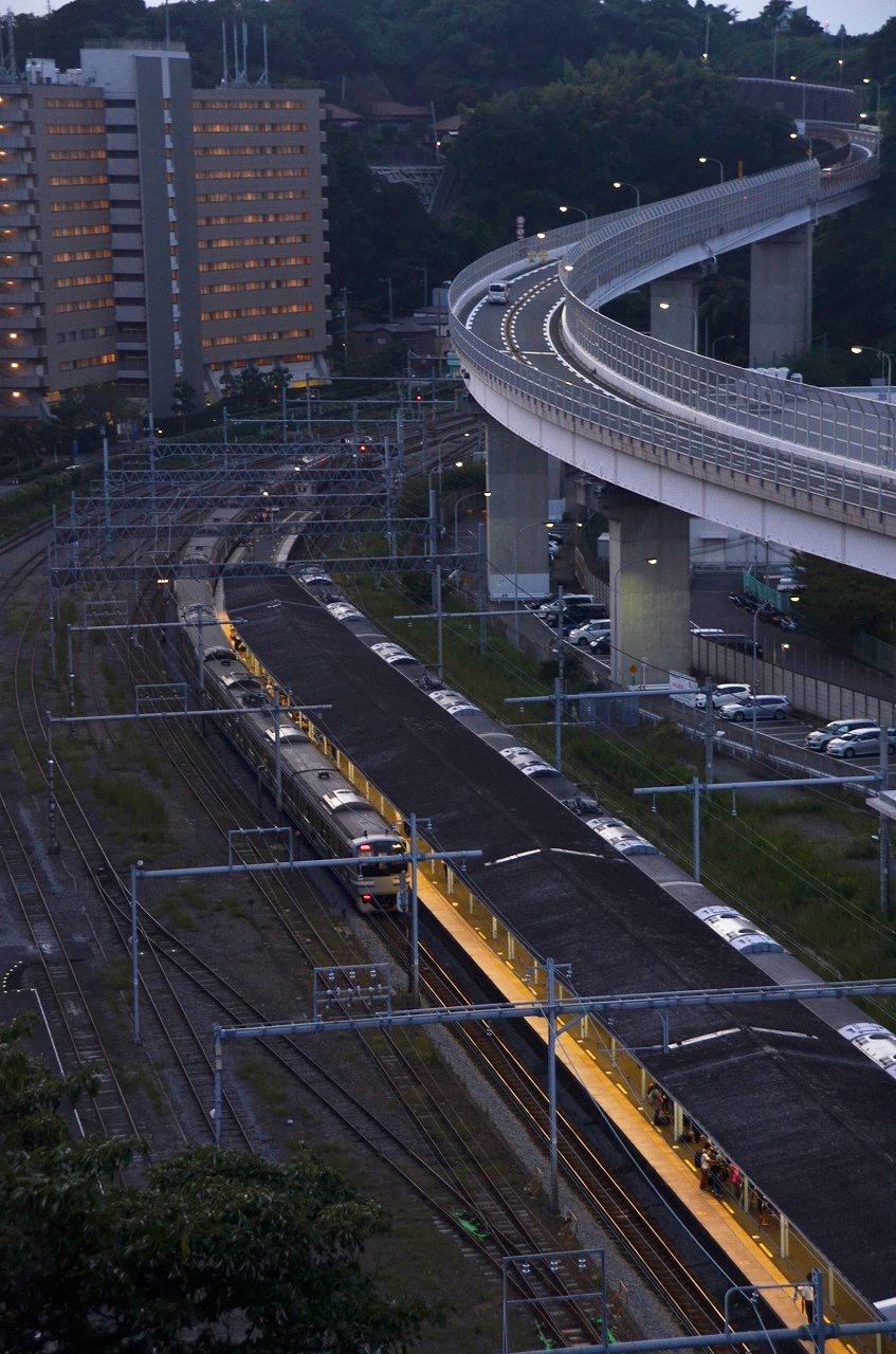 横須賀駅うえ_d0065116_2193479.jpg