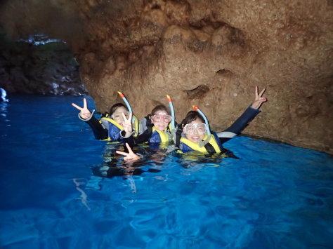 10月18日万座ワイドオンリーダイブ&青の洞窟スノーケル_c0070933_19080152.jpg