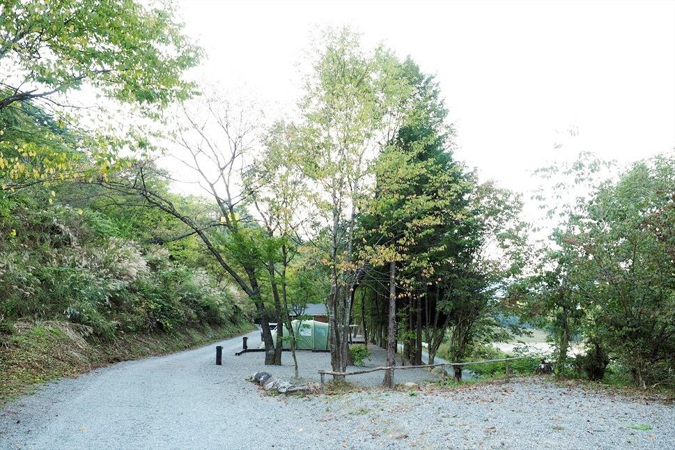 【レポート】Foresters Village Kobitto(フォレスターズビレッジ・コビット 南アルプス)キャンプ編 ① ~やはりコビットは「ナチュラルテクスチャー」の宝庫であることが変わらない_b0008655_23540670.jpg
