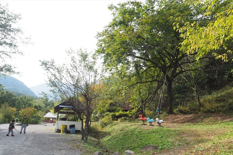 【レポート】Foresters Village Kobitto(フォレスターズビレッジ・コビット 南アルプス)キャンプ編 ① ~やはりコビットは「ナチュラルテクスチャー」の宝庫であることが変わらない_b0008655_00123624.jpg