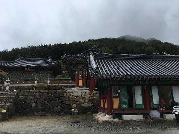 ソウルから大邱へ。韓国のおいしい味と美術作家さんたちに会いに。その3 テンプルステイ&民画作家さんのアトリエへ_a0223786_13010887.jpg