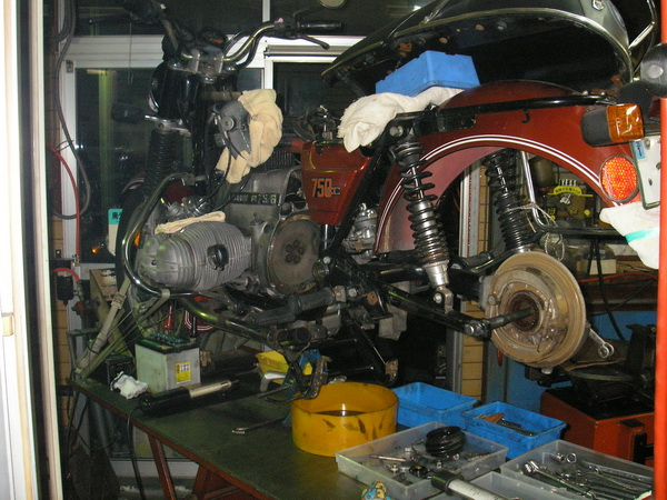 BMW R75/6  ミッション編~クラッチへ続く _e0218639_11115249.jpg