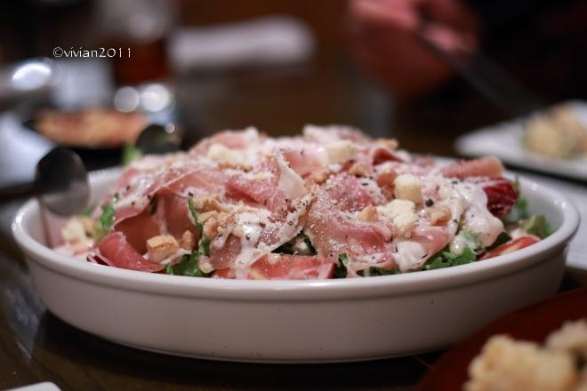 燻製レストラン&バー SMOKEMAN(スモークマン) ~燻製好きは要チェック!~_e0227942_22035995.jpg