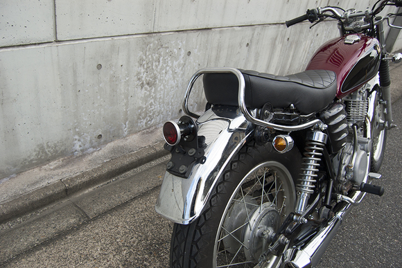 FOR SALE!!!  YAMAHA SR400 ライトカスタム車_e0182444_19482127.jpg