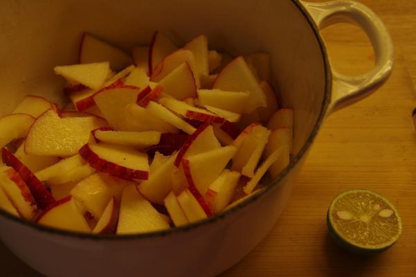 りんごジャムは豚肉料理に合うのです_c0341450_17444062.jpg