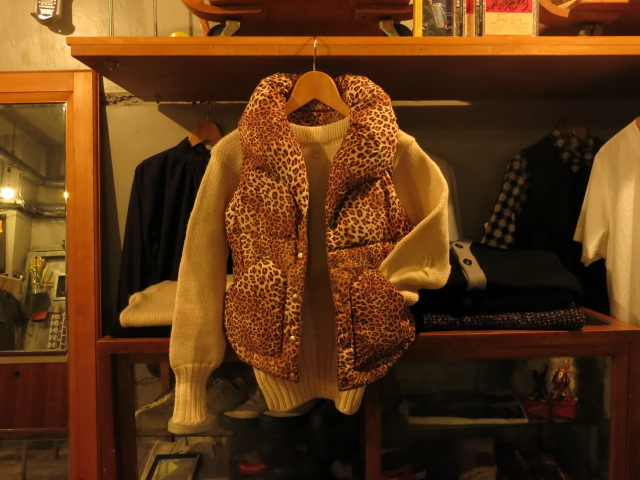 """WOMAN\'S KNIT DOWN VEST LEOPARD PRINT #FAIR\""ってこんなこと。_c0140560_1019094.jpg"