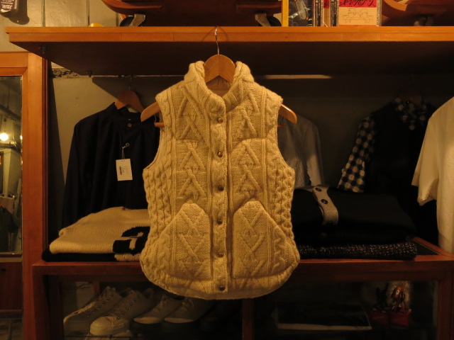 """Rocky Mountain Featherbed WOMEN\'S KNIT DOWN VEST #FAIR\""ってこんなこと。_c0140560_9192689.jpg"