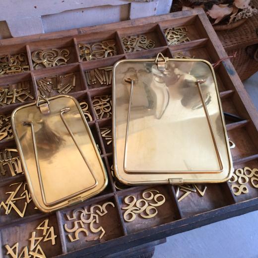 真鍮製のスタンドミラー_a0164280_13394042.jpg