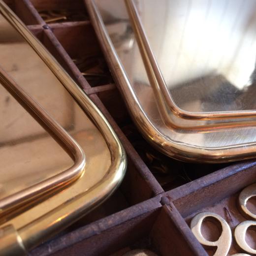 真鍮製のスタンドミラー_a0164280_13394190.jpg