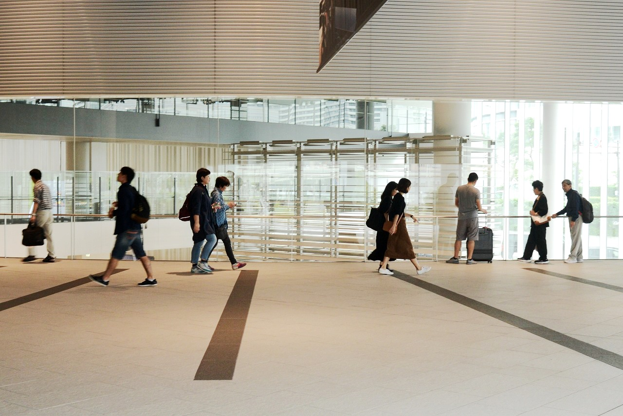 横浜駅東口_d0065116_2022957.jpg