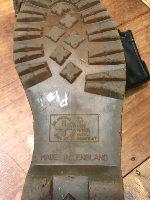 10/22(土)入荷商品! MADE IN ENGLAND Dr Martin boots !!_c0144020_14401023.jpg