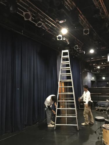 レール工事 ビルボード大阪_c0103137_10165913.jpg